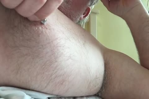 This Week's video Focuses On My nipp And My Armpit. I Tweak My nipples Until It Makes My penis Hard, Then I jack off And jerk off Until I cum. finally, I Rub My BearChub Load Into My Armpit Hair For u To suck.