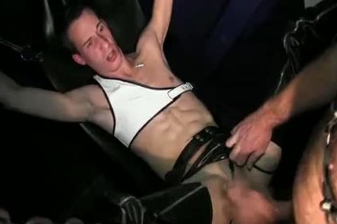 twink gets Dominated
